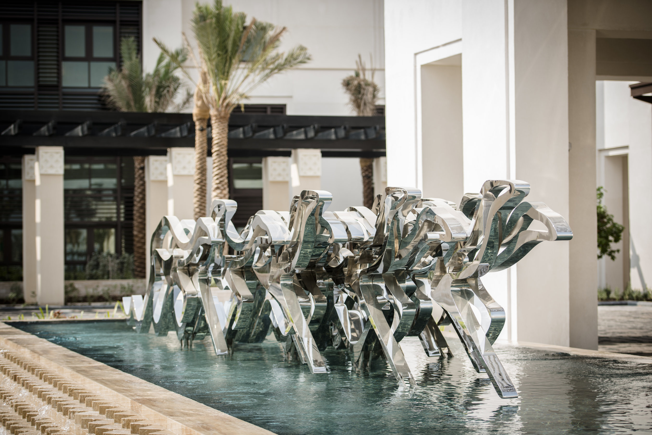 Mattar Bin Lahej depicts the image of a galloping horse in many of his artworks. In the driveway of Jumeirah Al Nassem hotel, visitors can see his monumental sculpture. Image courtesy of Mattar Bin Lahej.