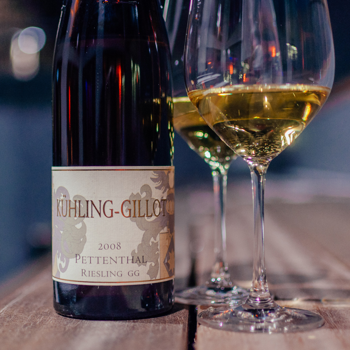 AskToni-Sipgate-Party-Kuehling-Gillot-Pettenthal-Riesling.jpg