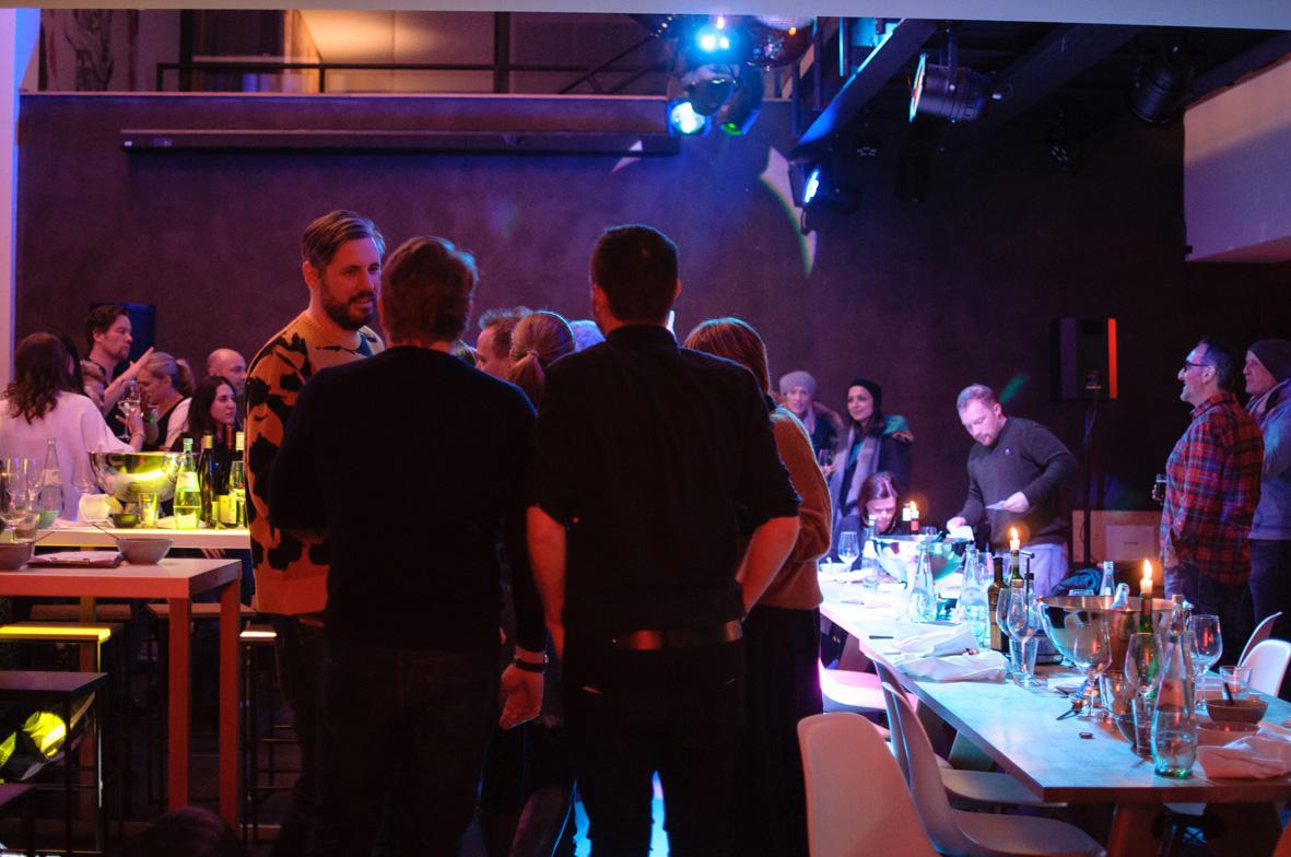 AskToni-Sipgate-Party-dinner-is-over-dancing-floor-is-open.jpg