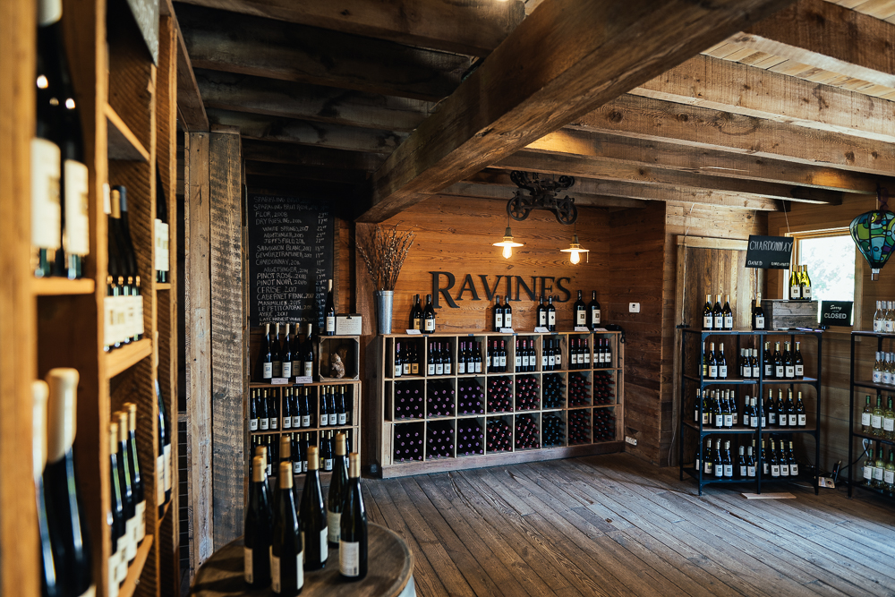 Heroes-of-riesling-Ravines-wine-cellar-04985.jpg