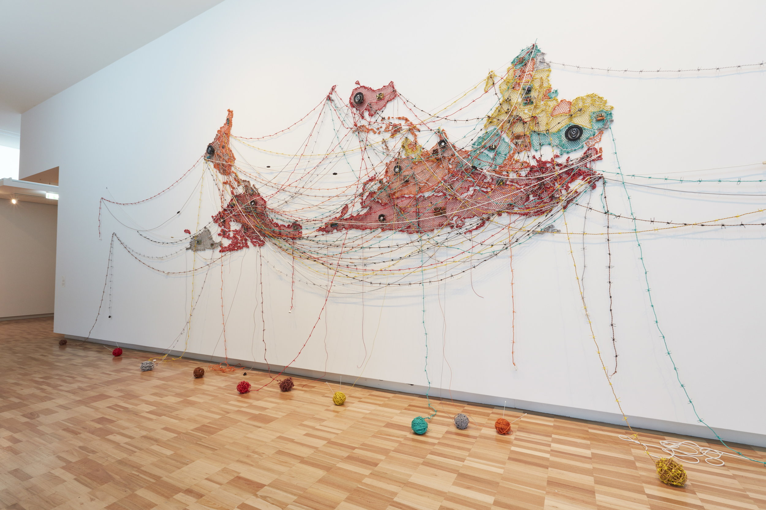 Woven Chronicle (2018) by Reena Saini Kallat. Courtesy of AGNSW, Mim Stirling.