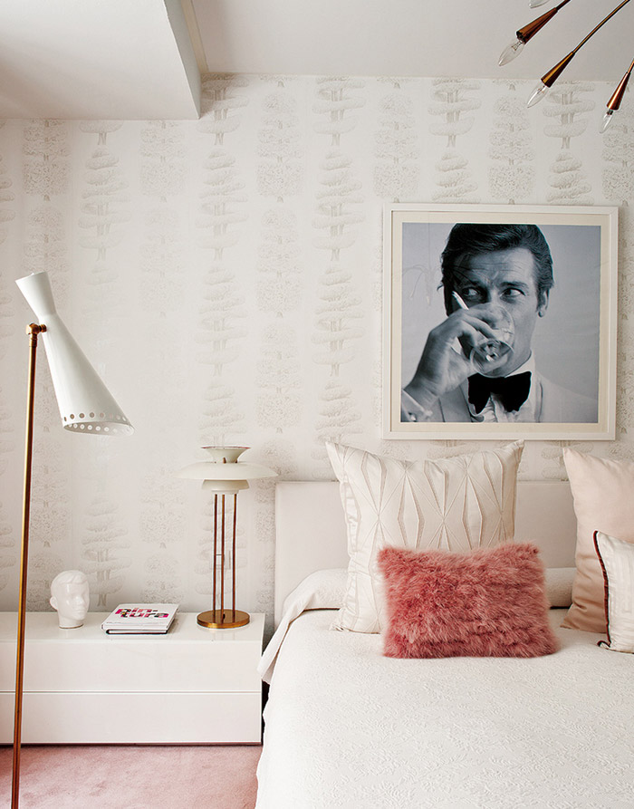 living-pink-Madrid-mod-apt-bedroom-white-ivory-blush-sputnik-James-Bond-art1.jpg