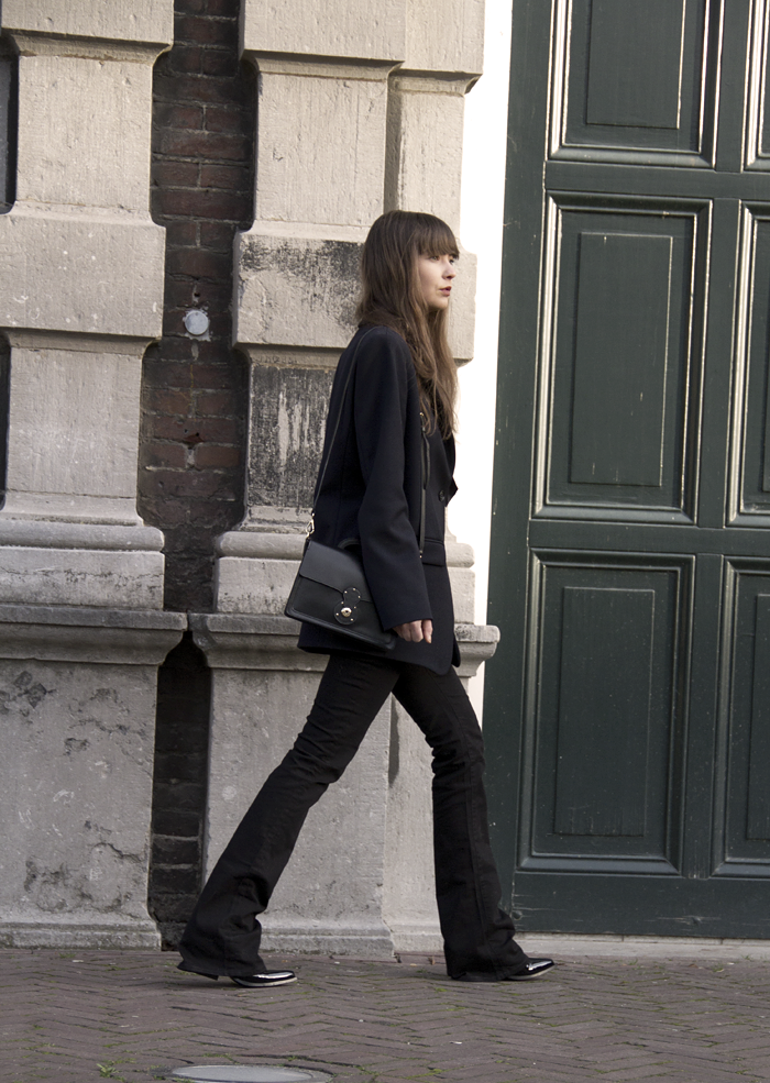 Oversized-blazer-Ralph-Lauren-flared-jeans-Hm-patent-leather-boots-6.png