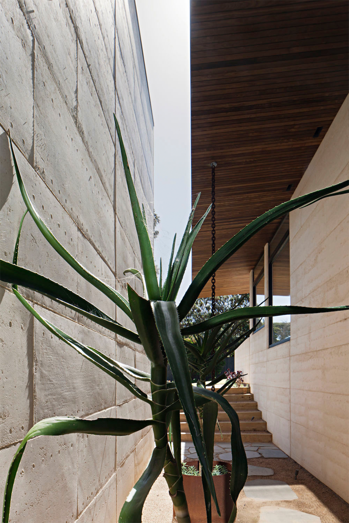 Robson-Rak-Architects-Layer-House-3.png