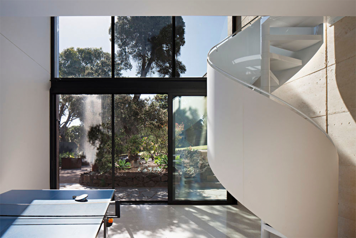 Robson-Rak-Architects-Layer-House-9.png