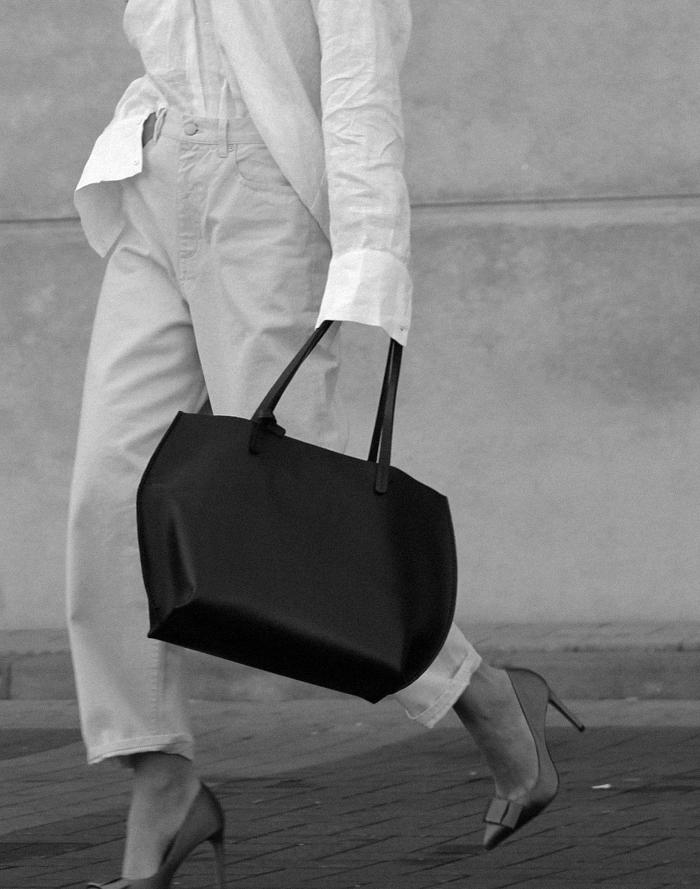 Oversized-Zara-shirt-Cos-denim-Zara-heels-12.png