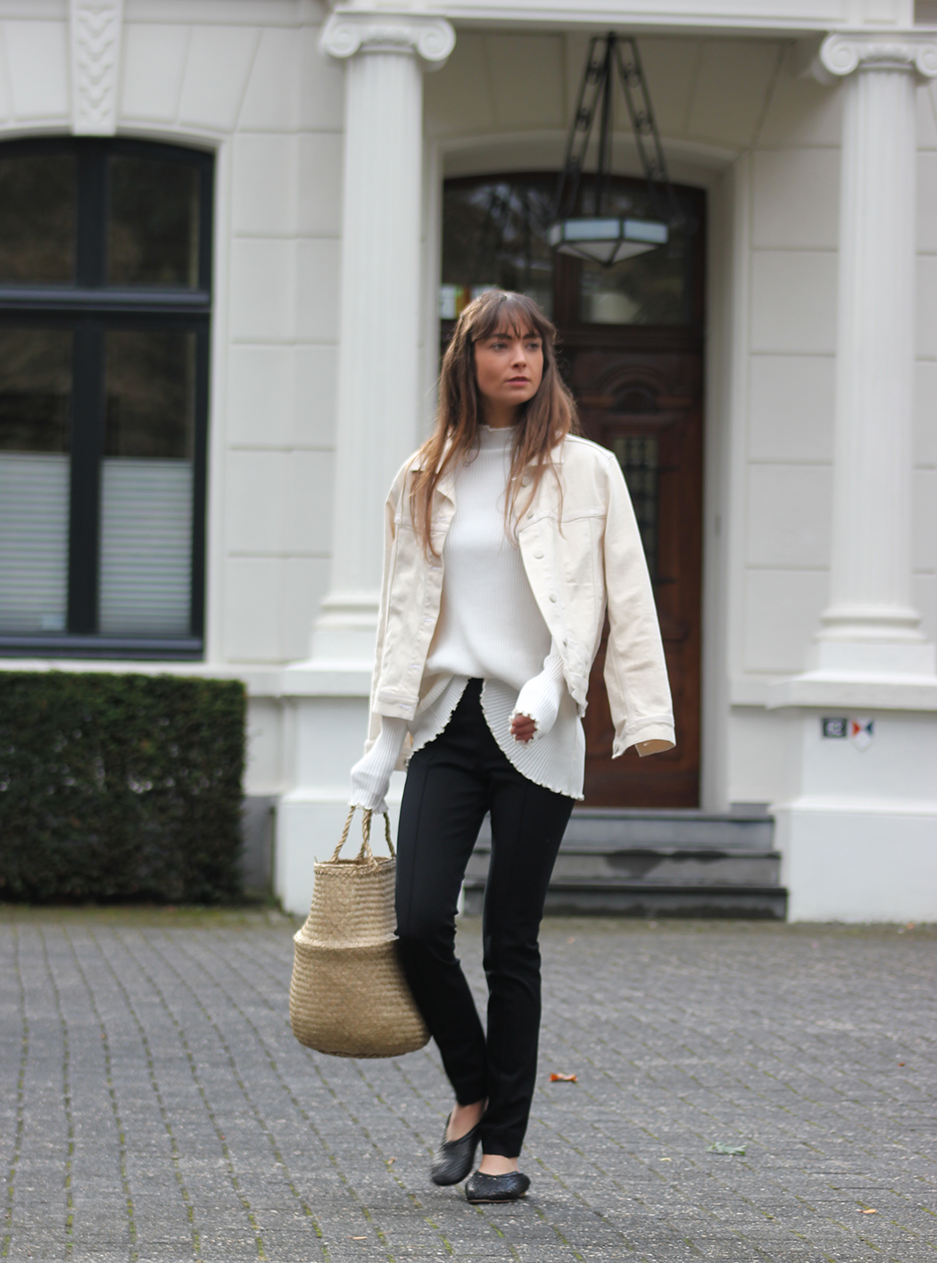 HM jacket, COS top, trousers and shoes - Modedamour 6.png