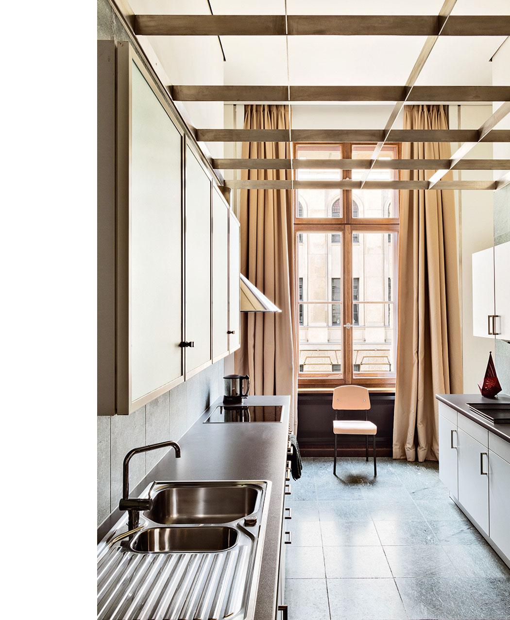 Emmanuel de Bayser's Berlin Apartment 10.png