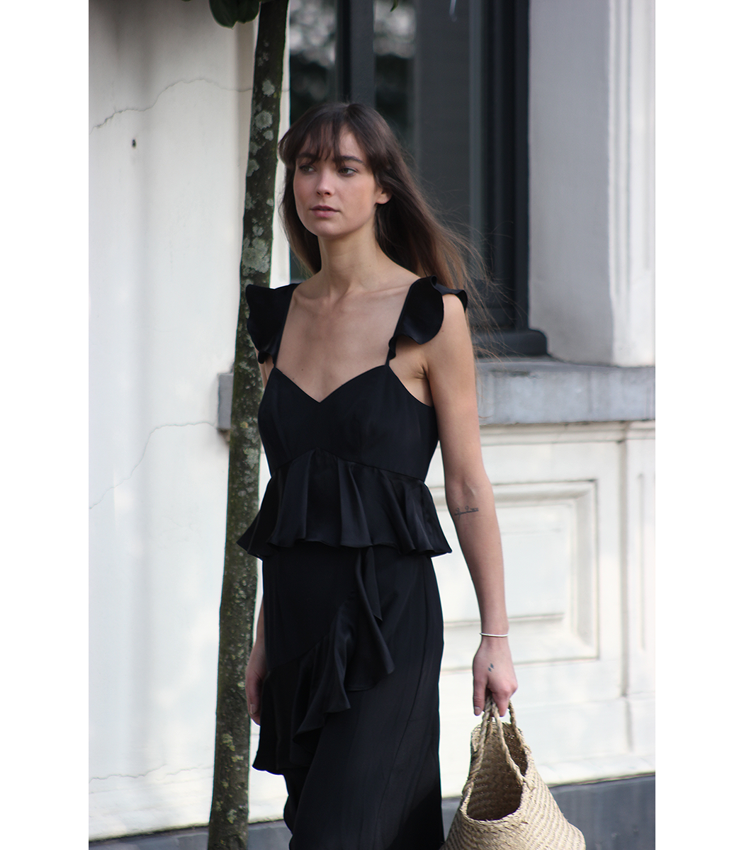 Amur Blake Silk Midi Dress - Gucci Loafer - Modedamour 2.png