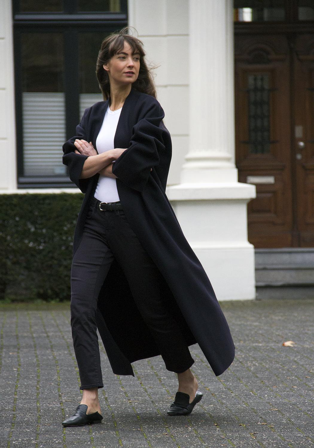 Mango coat, AYR denim, Massimo Dutti loafers - Modedamour 8.png