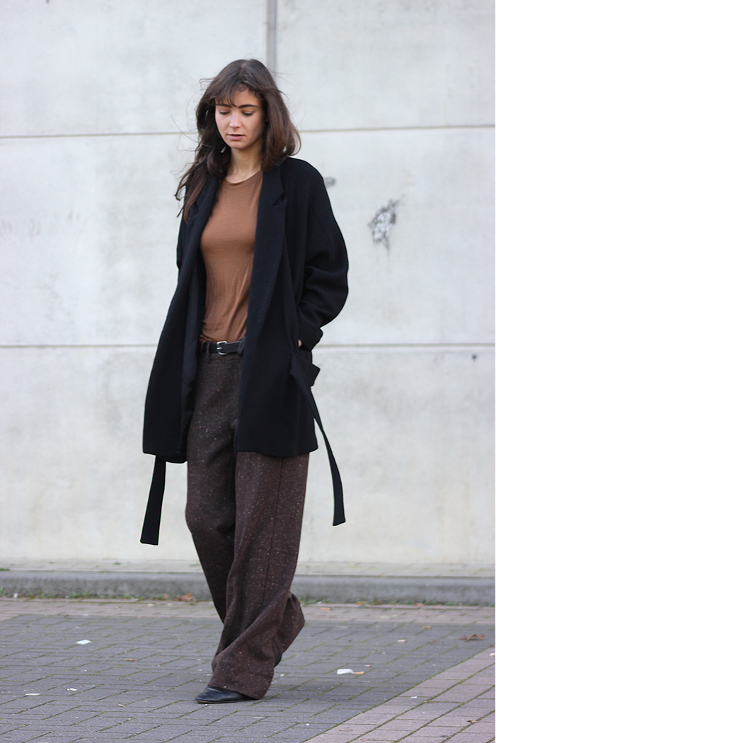 Zara coat, AYR trousers, Massimo Dutto flats 2.png
