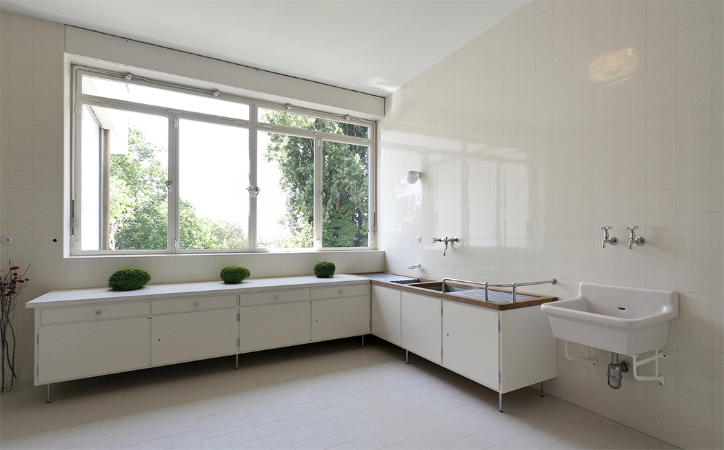 Villa Tugendhat by Mies van der Rohe 9.png