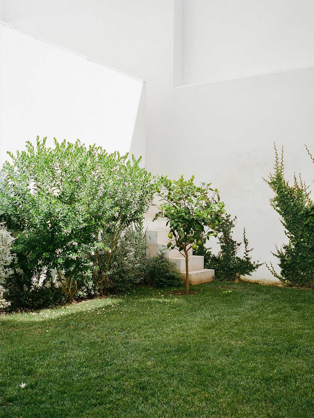 Atelier Cecílio De Sousa in Lisbon, Portugal 5.png