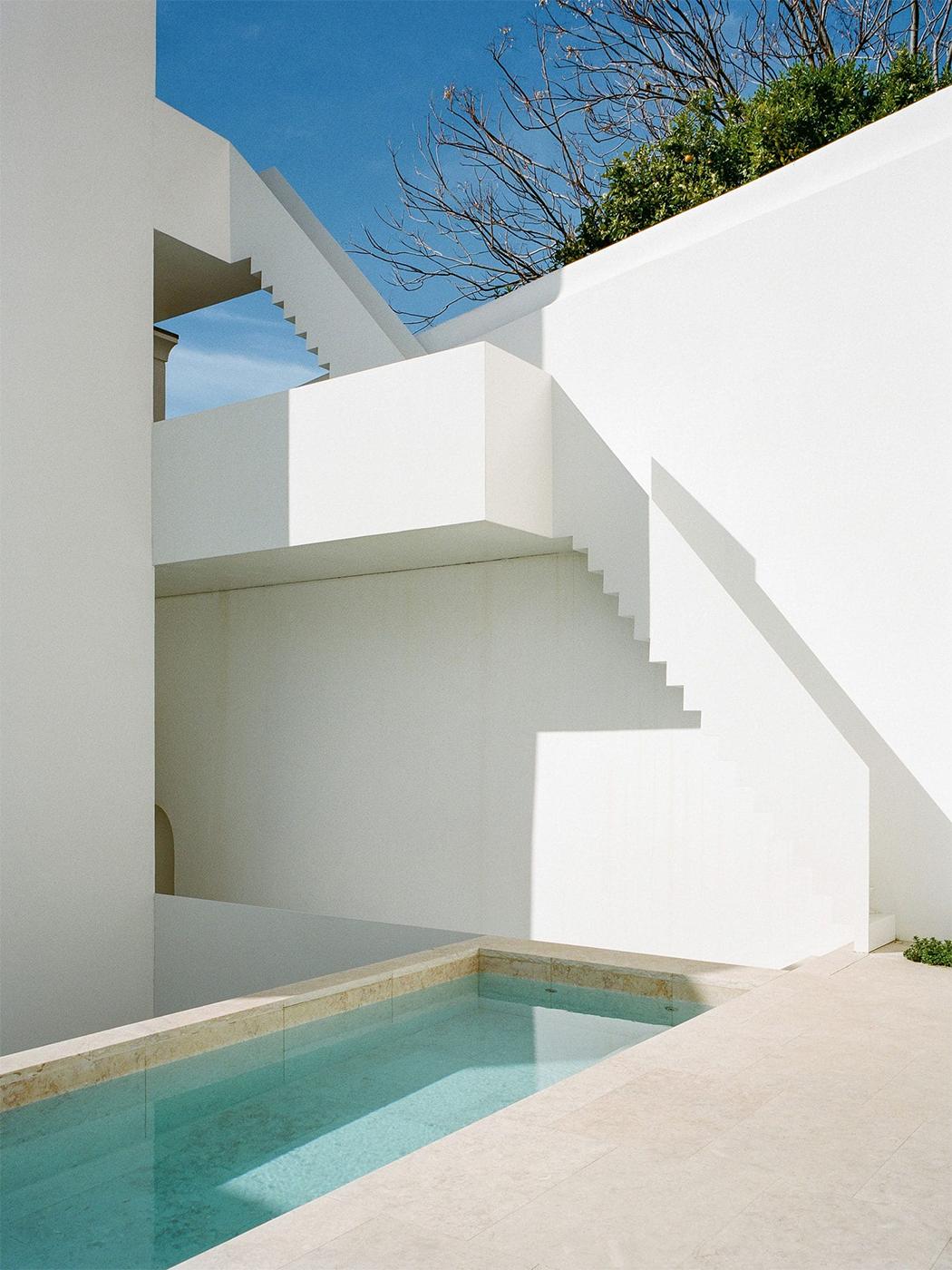 Atelier Cecílio De Sousa in Lisbon, Portugal 6.png