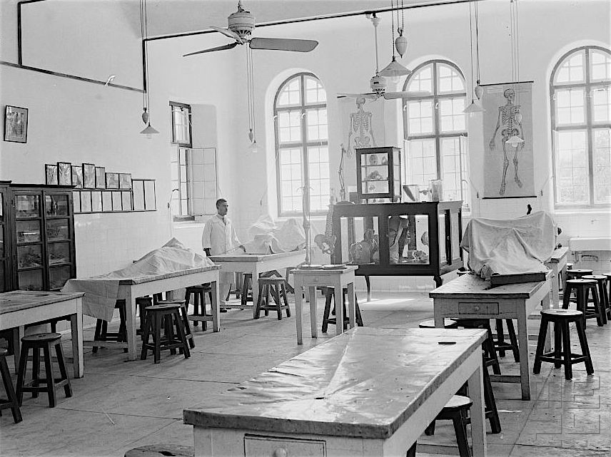 DISSECTING ROOM AT THE ROYAL COLLEGE OF MEDICINE, BAGHDAD, DESIGNED BY H. C. MASON, PHOTOGRAPHED IN 1930S.   MODERN BAGHDAD
