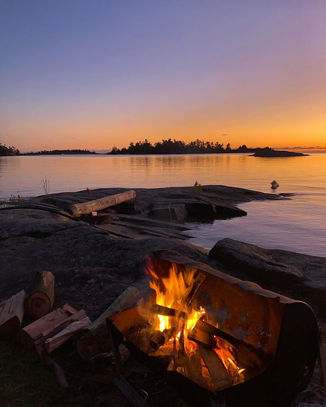 Fall fishing weekend on #Georgian Bay  #sunset #fallsunset @sgeorgianbay @georgianbaysurfclub #fishingweekend #campfire #colorsofnature #relax #chillin #iphone #advertising #advertisingagency #creativedirector #advertisingphotographer #naturesbeauty #greatoutdoors #hiking #secretlake #michalpasco @ontarioforyou @ontariotravel