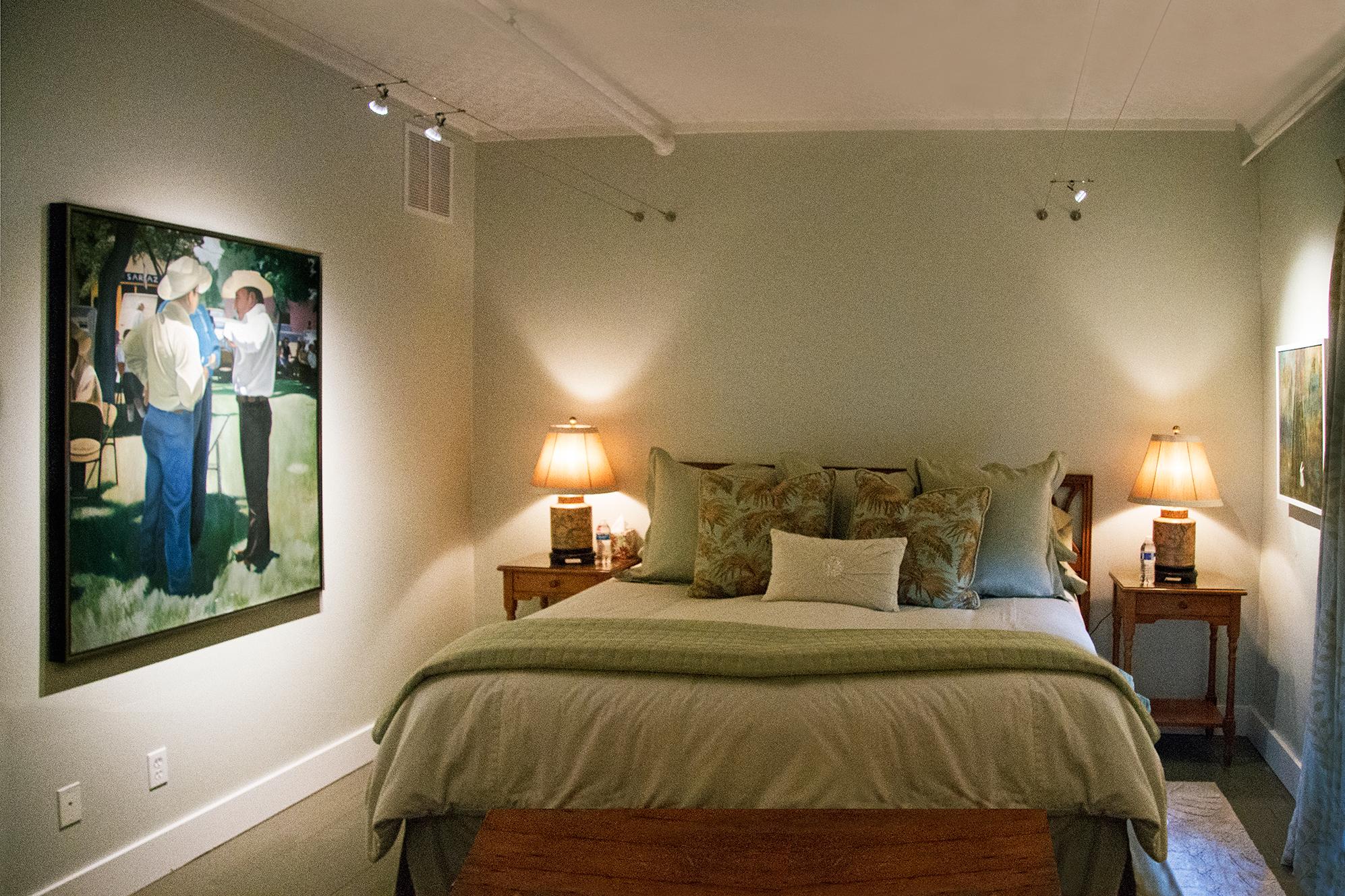 ROOM 3 - LIVE OAK - KING BED