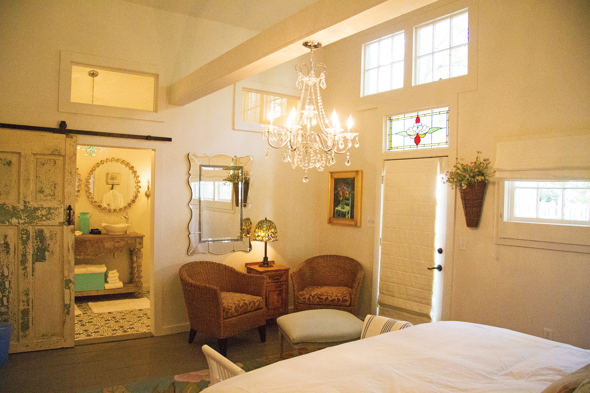 ROOM 10 - GARDEN ROOM - KING BED wiih LARGE WALK-IN SHOWER