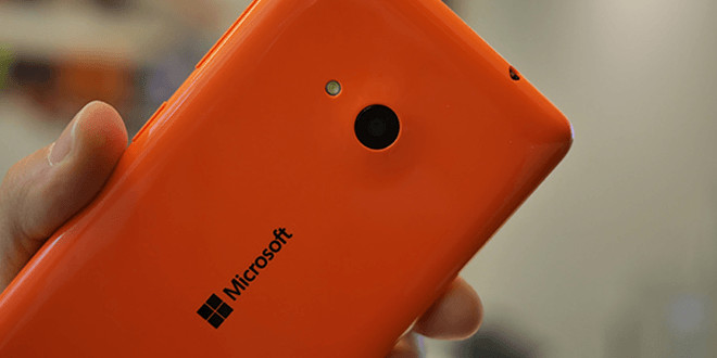 Foto    - Dopo l'acquisizione da parte di Microsoft del settore telefonia mobile, Nokia ha completamente dismesso il proprio brand in favore di Microsoft Phone. Per molti addetti ai lavori è stata una delle peggiori scelte strategiche dell'azienda fondata da Bill Gates.