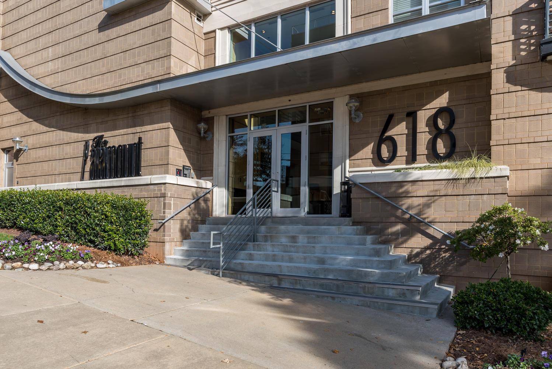 618 N Boylan Ave Unit 801-large-035-26-The Paramount-1499x1000-72dpi.jpg