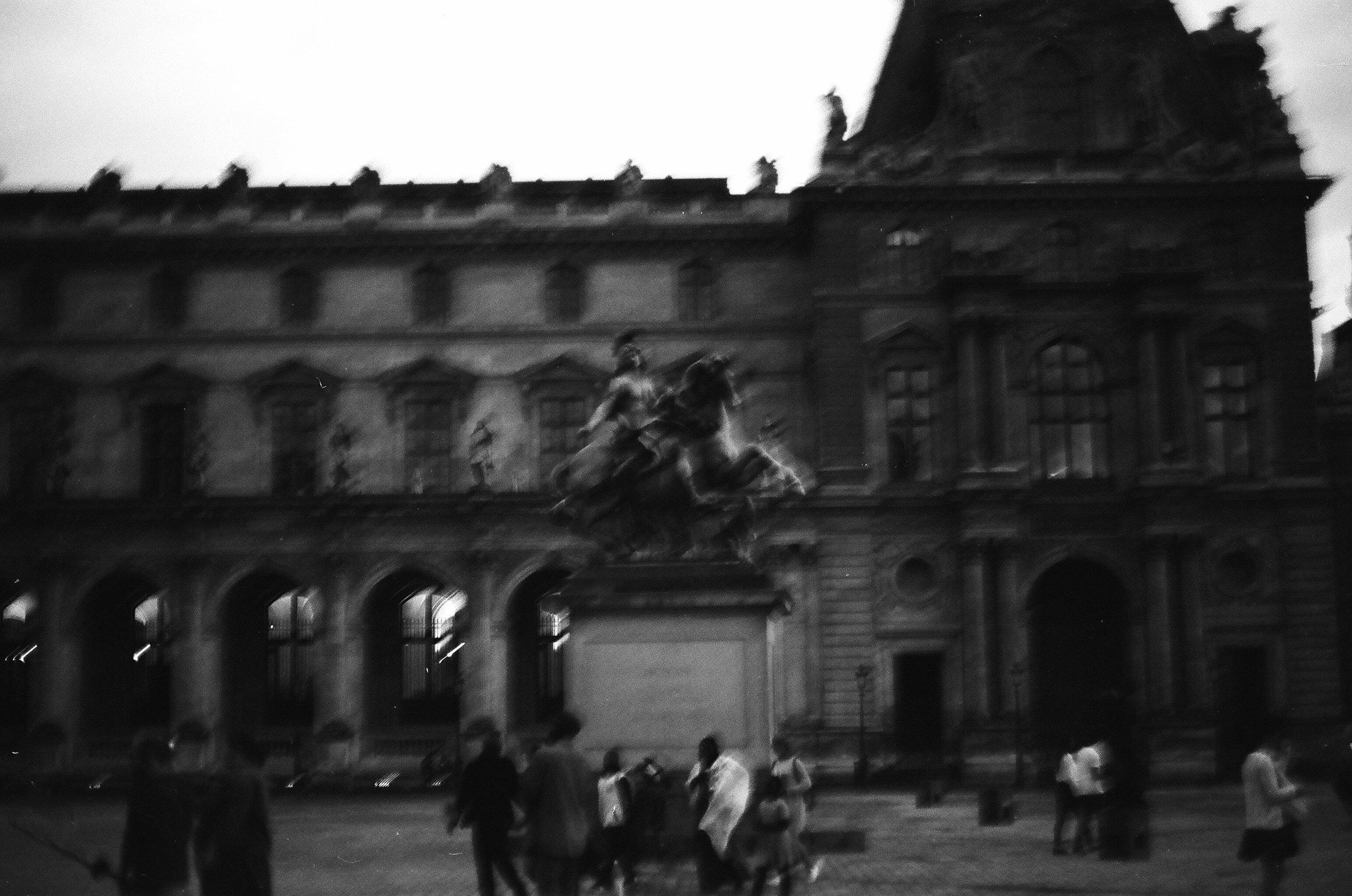 Paris B&W-4.jpg
