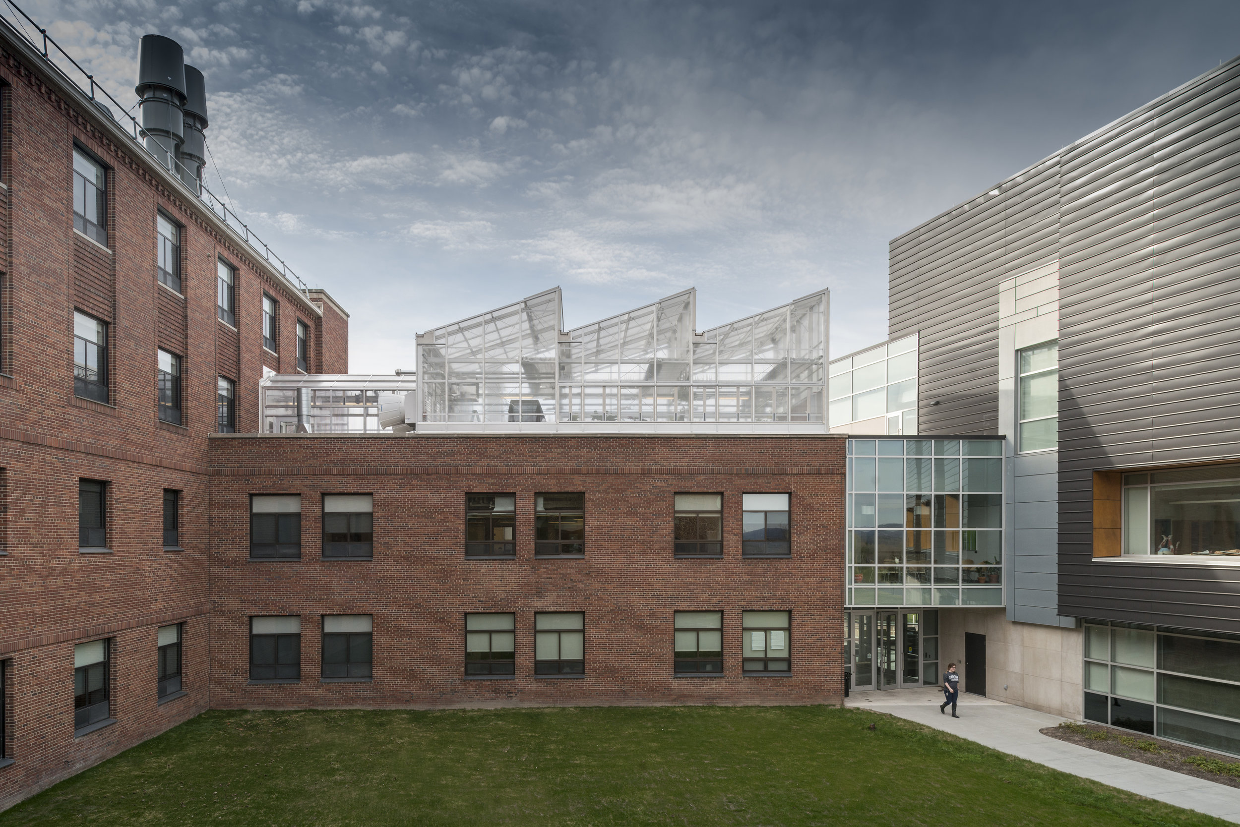 COYNE SCIENCE CENTER RENOVATION<strong>Provide academic and research laboratories for the Biology, Chemistry and Physics departments.</strong>