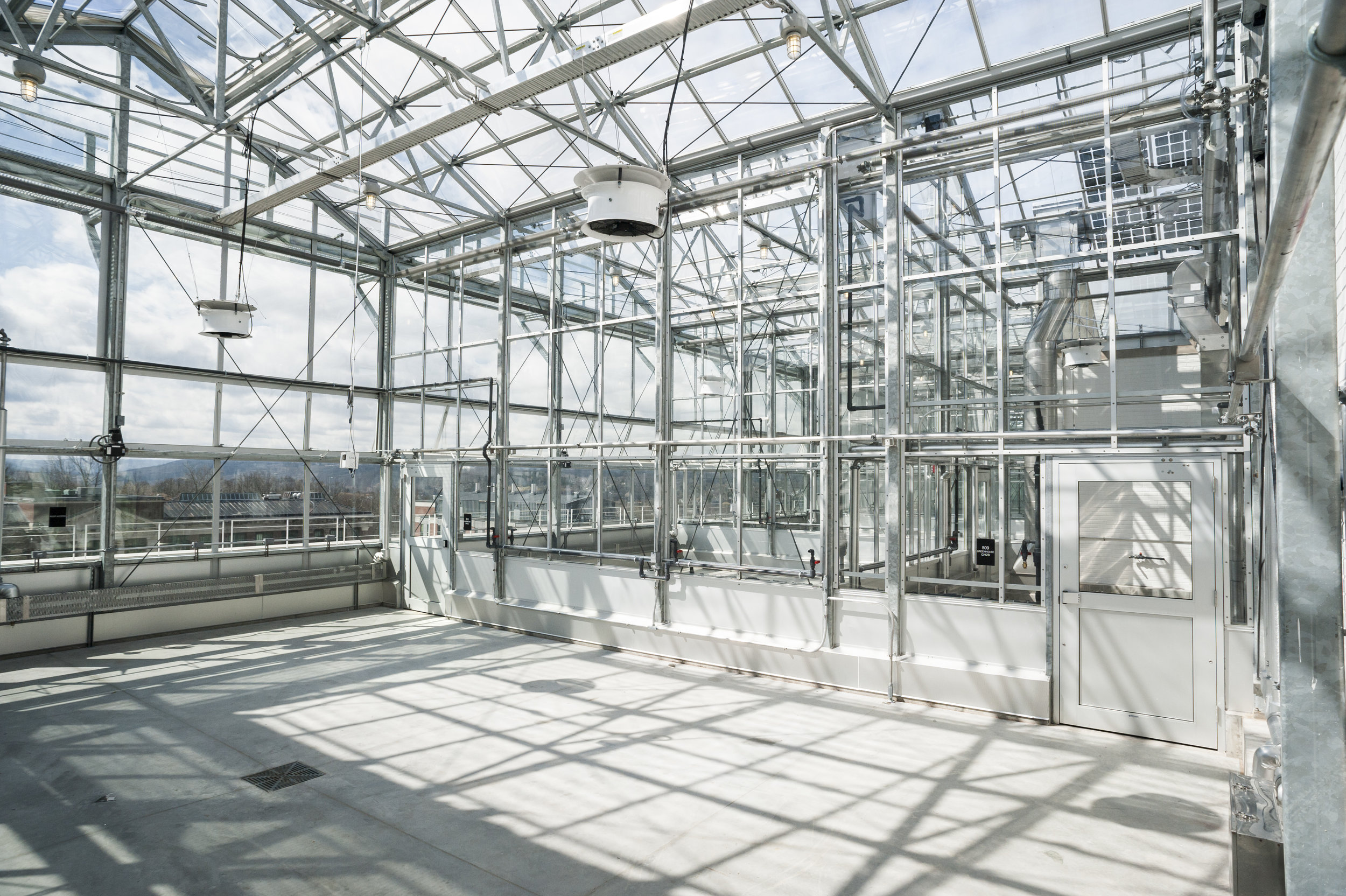 ILLICK HALL<strong>A building rehab and rooftop greenhouse complex serving research and teaching functions.</strong>