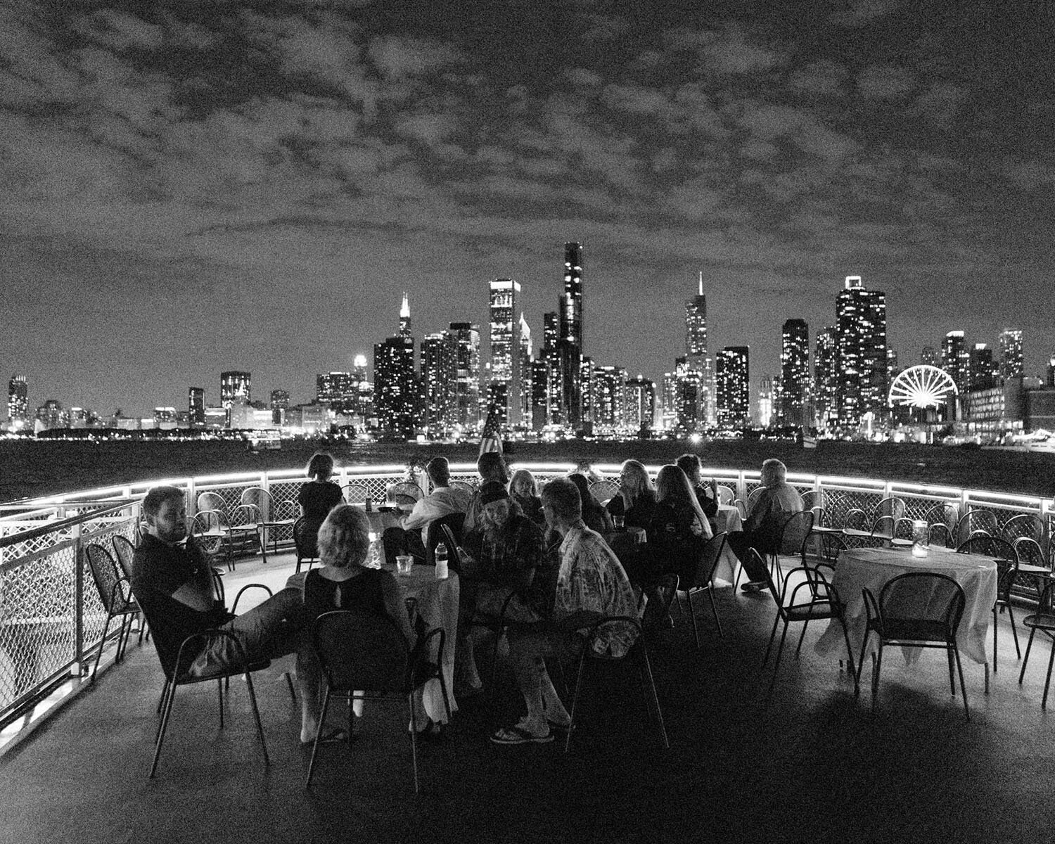 wedding-guests-on-boat-chicago-skyline.jpg