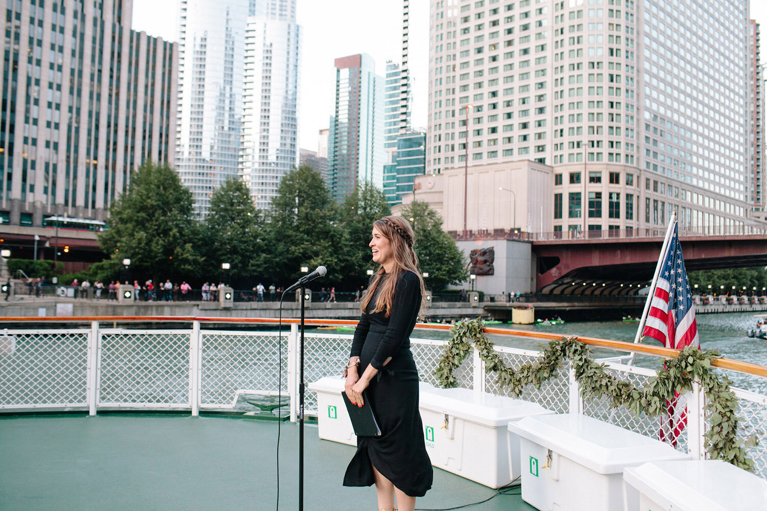 wedding-officiant-on-chicagos-leading-lady-boat.jpg