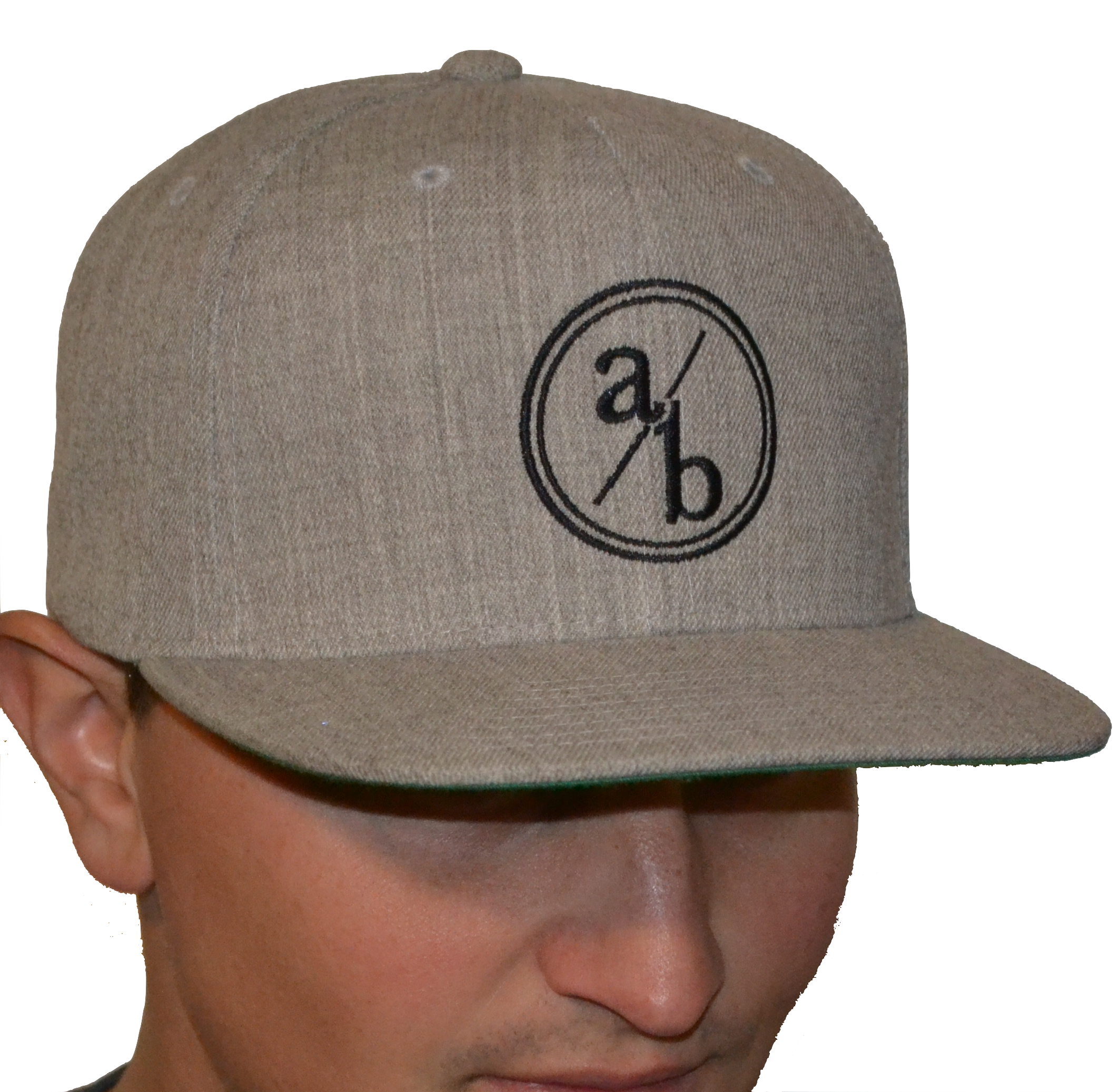 light gray hat.png