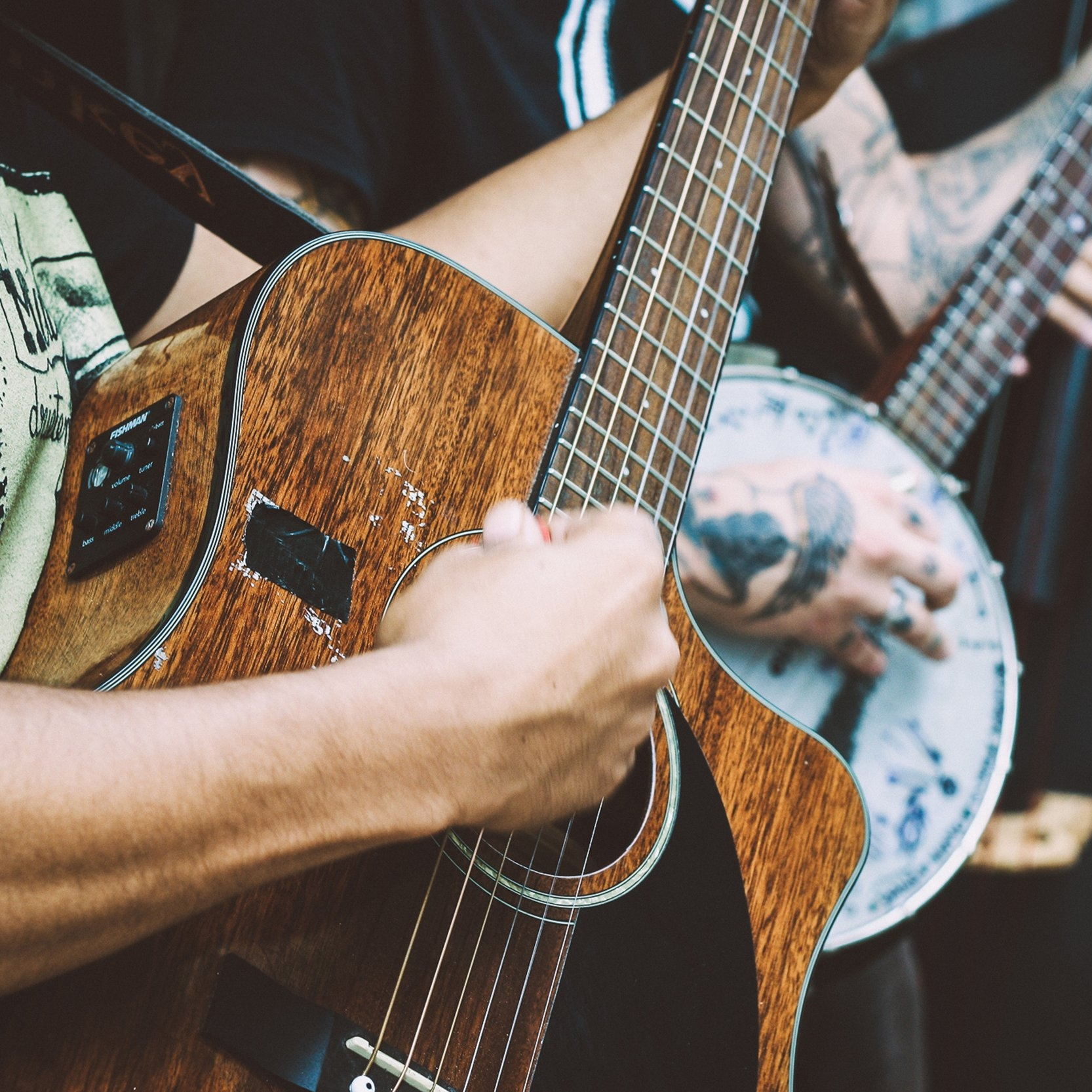Find Live Music - Music is everywhere on the North Shore. Day or night you can see talented performers who are passionate about their music. Listening to local artists perform in small intimate venues is an experience you won't want to miss. Live music connects us to each other and is part of Minnesota's North Shore magic. Some of our favorite venues are Bluefin Bay, Lutsen Resort Lodge, Cascade Lodge, Papa Charlie's, and The Tavern. For complete live music schedules and details listen to WTIP North Shore Community Radio, 90.7 FM, or check out the music calendar online.