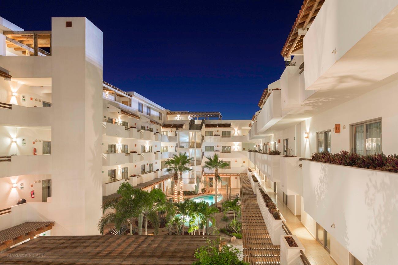 HOTELES / RESTAURANTES