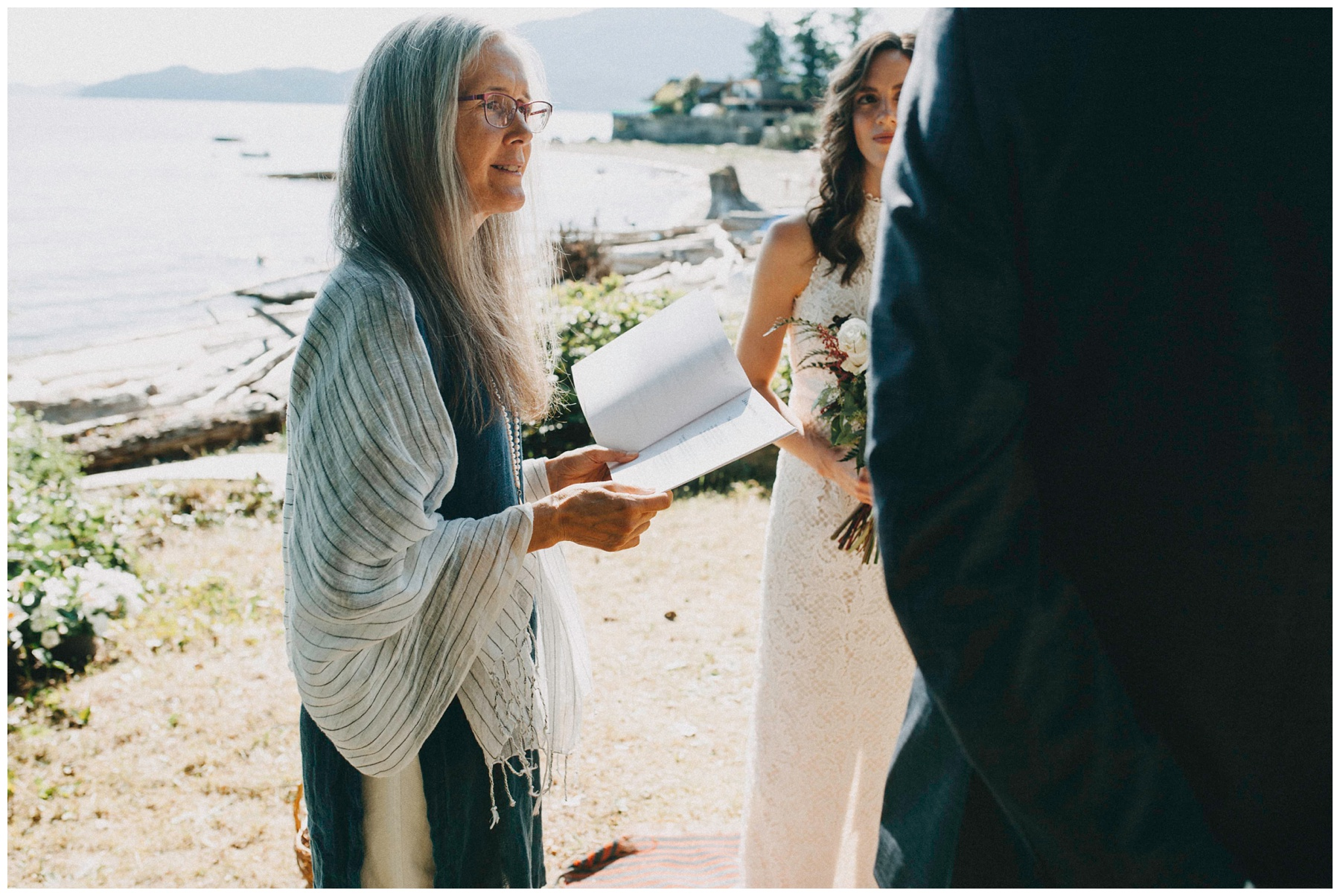 Vancouver intimate Wedding Photographer_0501.jpg