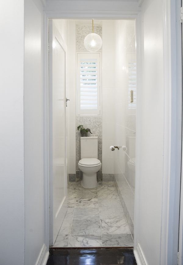 Polylux shutters once again feature in the toilet at Kaz's apartment, easy clean and no moisture or smell absorption!