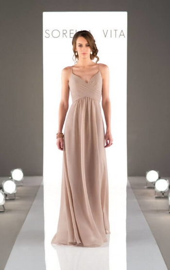 1. If you're having a bridal party with all different heights and sizes, this is the must have gown! It's so flattering on every figure and shows off the smallest part of the waist.