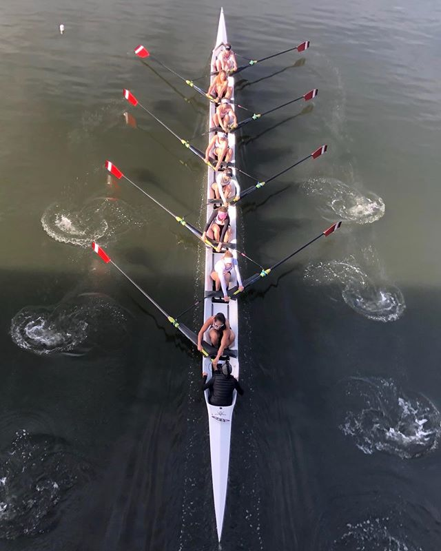 New to Rowing? Come by the boathouse at Lake Merced this week for a Novice Jump start from 4-6:30!!💥The goal is to give a realistic training regiment that a PRC novice will partake in over the 8 month season and the opportunity to see if rowing at PRC is the right fit.🚣🏻‍♀️🥇❤️ #Rowing #novice #lakemerced #rowingrelated #usrowing #PACIFIC
