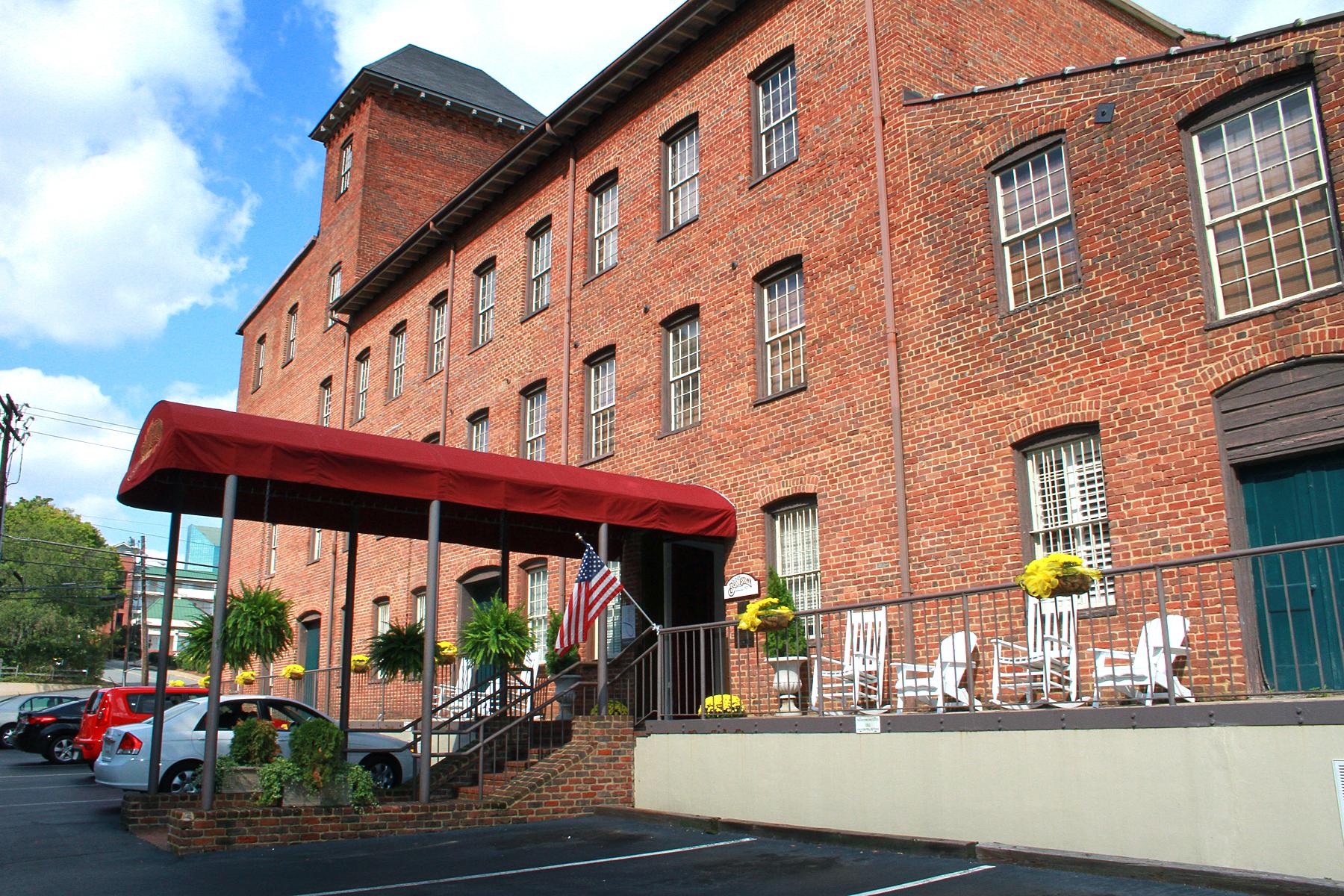 The Historic Brookstown Inn, Winston-Salem, USA -