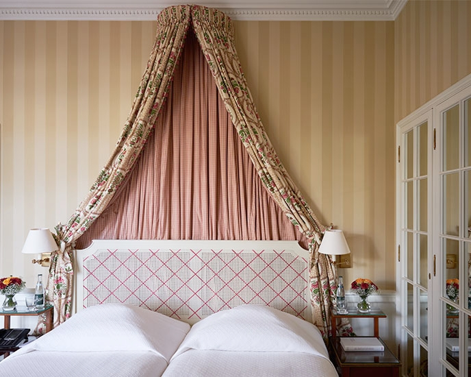 Brenners-Park-Hotel-Spa-Superior-Suite.jpg