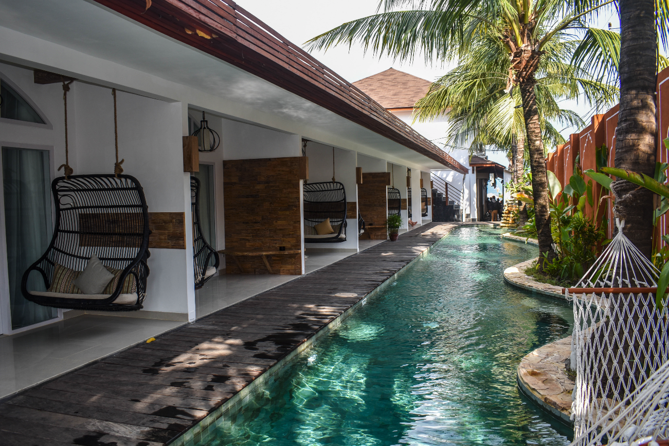 Deluxe Poolside at Pesona