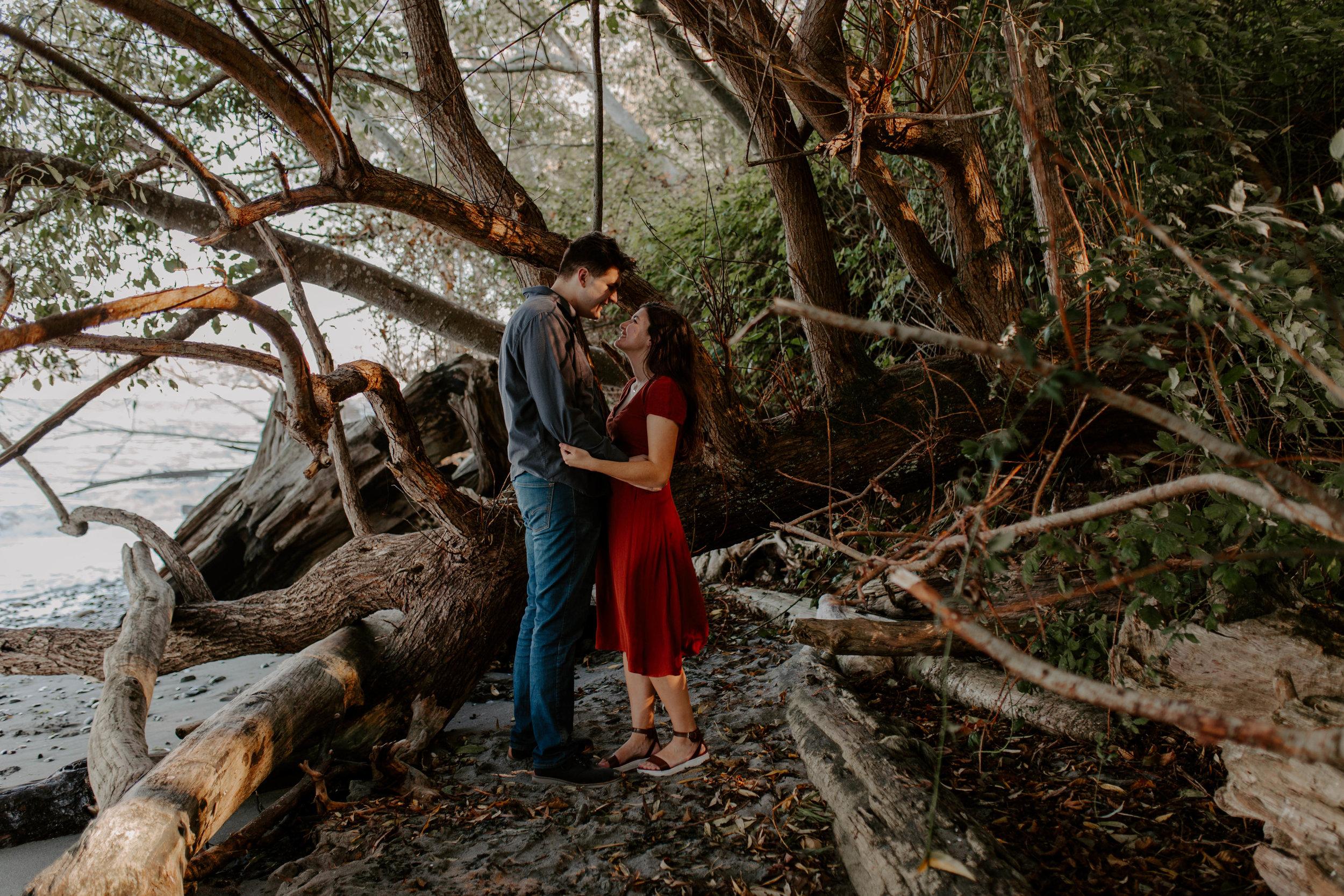 adventurous engagement photography pacific northwest