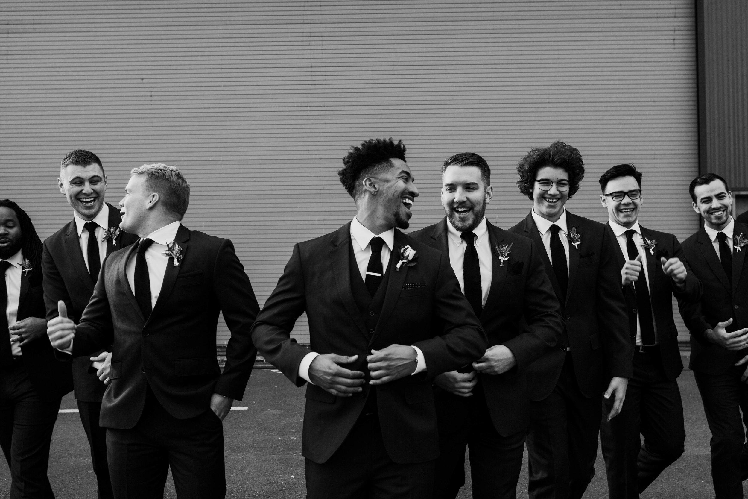 groomsmen seattle wedding photos
