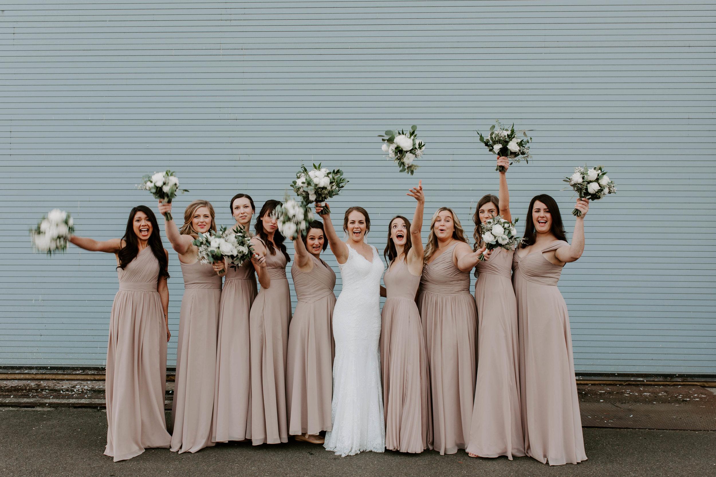 bridesmaids seattle wedding photos