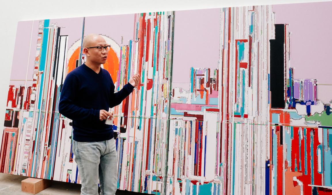 Liu Wei dans son atelier à Pékin ©Doors