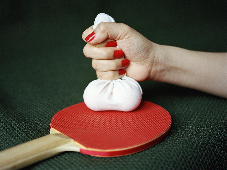 Pixy Liao,  Ping Pong Balls , 2013. Tiré de la série  For Your Eyes Only  © Pixy Liao. Autorisation de l'artiste.