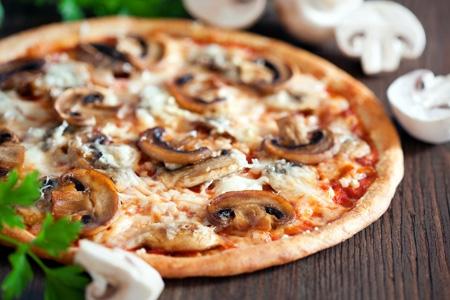 Funghi Pizza 11.00 - 12