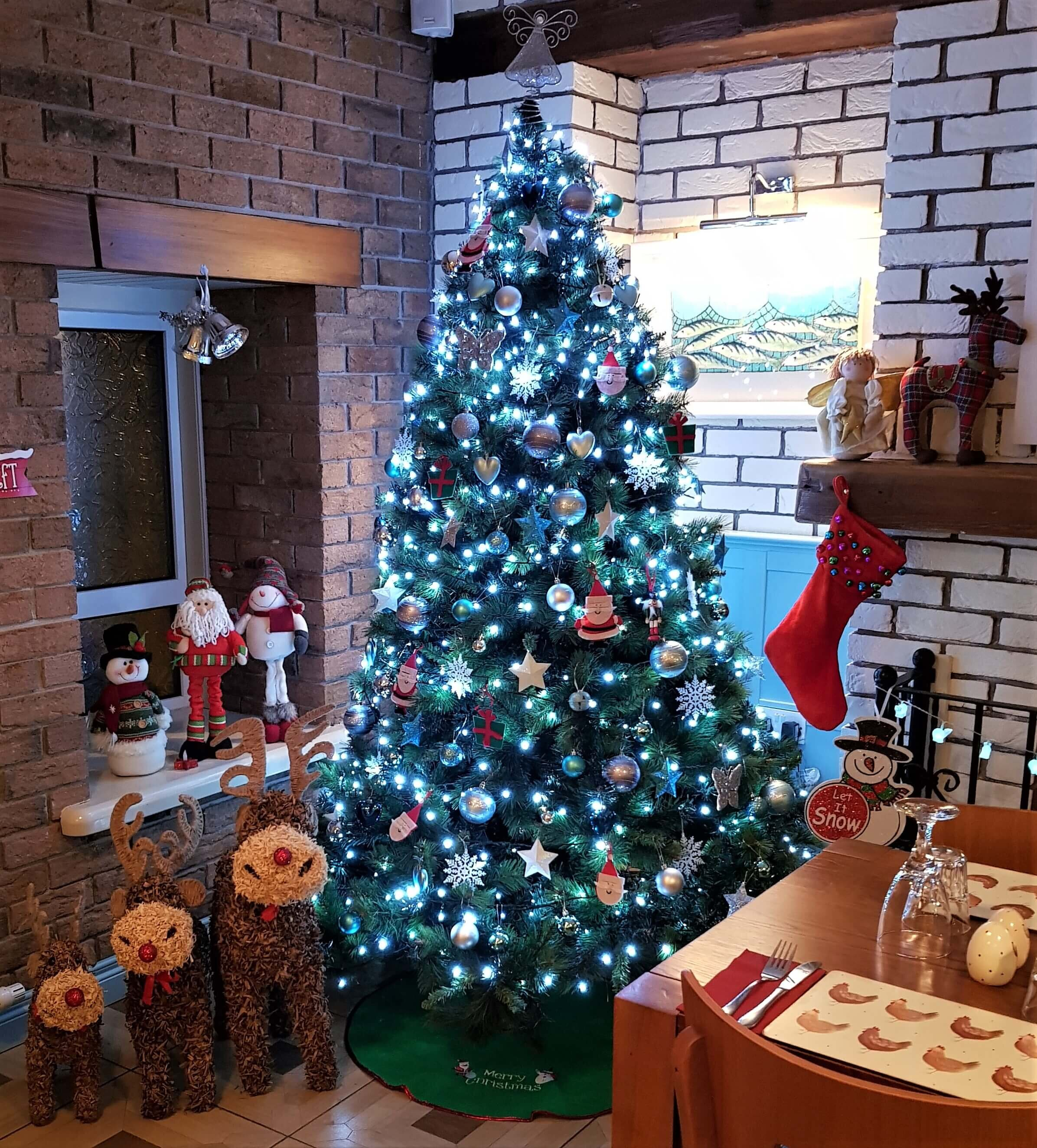 Come and book your Christmas at the Speckled Hen.jpg