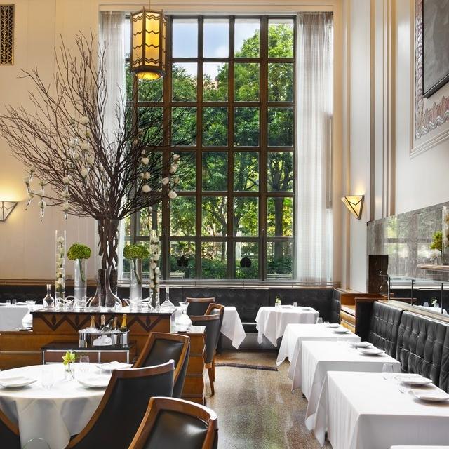 stylish-new-york-restaurants-12.jpg