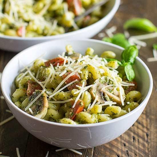 Easy Pesto Pasta -