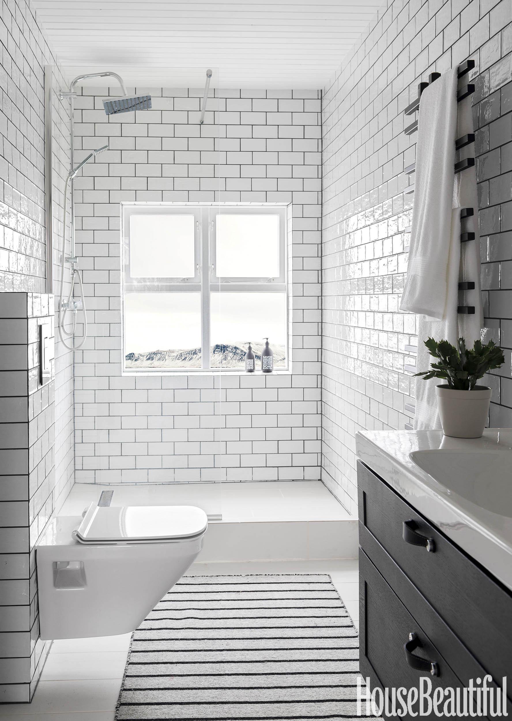 Reykjavik Bathroom.jpg