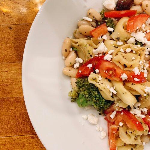 A Greek-Inspired Tortellini Pasta with Broccoli -